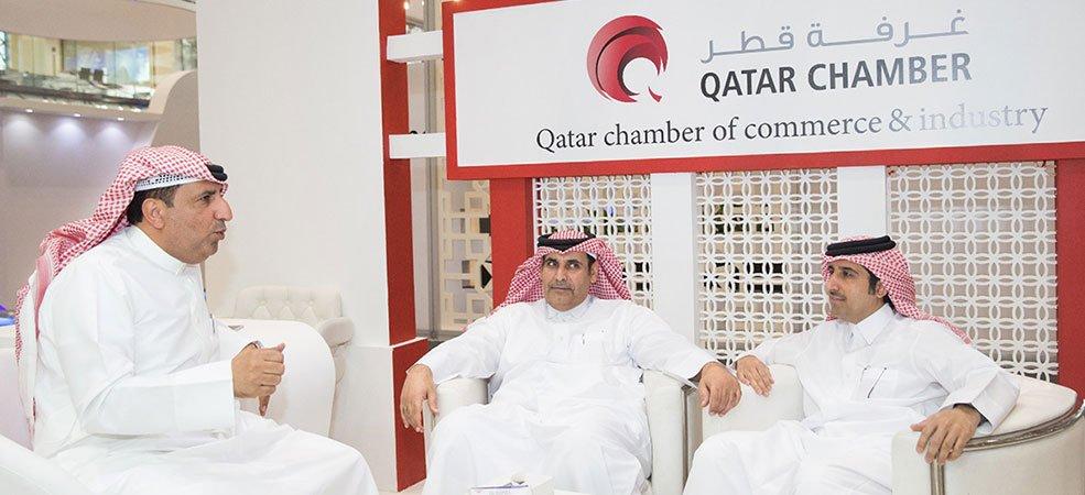 """نائب رئيس هيئة الجمارك يزور """"صنع في قطر"""""""