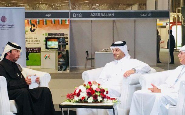 وزير البلدية والبيئة يتفقد اجنحة معرض صنع في قطر