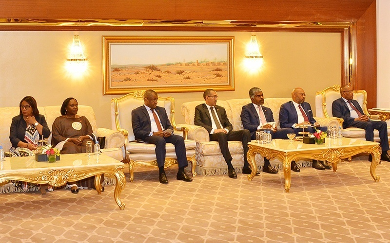 Angola-President-invites-005